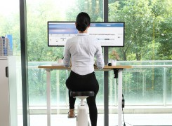 Spire Corp | Healthy posture behind PC or desk